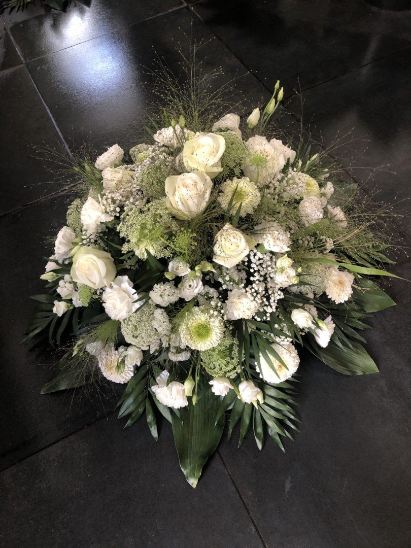 Fleuriste-compositions-deuil-enterrement-tombes-Maifleurs-Douarnenez-3